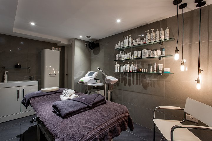 Andre Pierre salon in Brixton, VIP Rooms